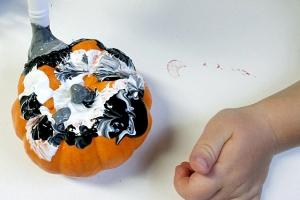 artfulparent painted pumpkins